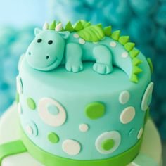 Dino Cake, Dinosaur Cake, Dinosaur Birthday, Brithday Cake, Macarons, Red Velvet, Cheesecake Recipes, Buffet, Cake Decorating