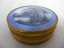 LOVELY VINTAGE ENAMEL COMPACT/PILL BOX w/BLUE SCENIC OF TREES & LAKE