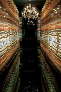 "Onice fantastico ""Vein Cut"" Real explosion of colours #onyx #antolini #onicefantastico"