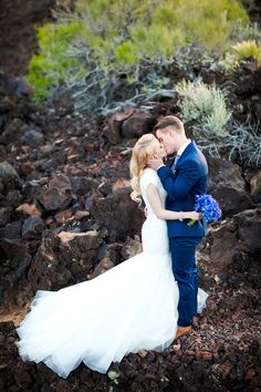 Glam & Cobalt First Look in St. George, Utah | Abbey Kyhl Photography | Reverie Gallery