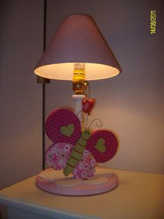Butterfly lamp for kids decor Painting Lamps, Tole Painting, Painting On Wood, Wooden Cutouts, Wooden Shapes, Childrens Lamps, Childrens Rooms, Country Crafts, Arte Country