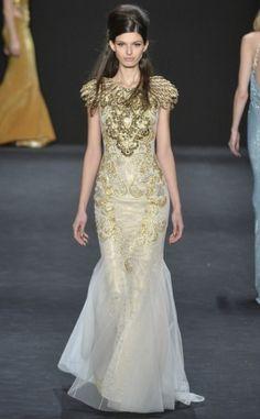 Inspiração para noivas na NY Fashion Week! www.yeswedding.com.br/pt/antena-yes/post/inspiracao-para-noivas-na-ny-fashion-week