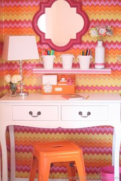 This DIY desk nook in a closet is adorable! Nicely done @Courtney Baker Baker {a thoughtful place}