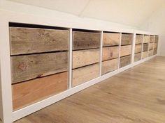 Gemaakt voor een klant. Kisten van pallethout. Op maat voor een room-divider van de Ikea.