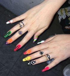 Make an original manicure for Valentine's Day - My Nails Edgy Nails, Aycrlic Nails, Grunge Nails, Funky Nails, Stylish Nails, Coffin Nails, Crazy Nails, Halloween Acrylic Nails, Best Acrylic Nails