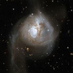 Galaxies Collide in NGC 3256