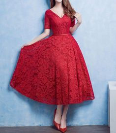 Lacey Perfection V Neck 1950s Style Dress, Lace