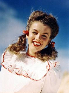 rare photos, celebrities - Marilyn Monroe in a rare photo being a brunette