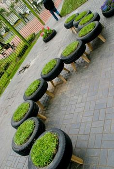 Eski Araba Lastiklerini Ev ve Bahçe İçin Yeniden Değerlendirme Do you have old tires on the side? If so, look at these ideas and rethink old tires for your interior and exterior décor.