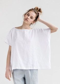 Boxy and Beautiful! An easy adjustment to the Eureka shirt pattern from The Sewing Workshop. sew einfach clothes crafts for beginners ideas projects room Sewing Clothes, Diy Clothes, Sewing Shirts, Diy Fashion, Ideias Fashion, Dress Fashion, Fashion Rings, Not Perfect Linen, Diy Vetement