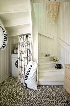Cool stairs if I ever decide to open up my ginormous attic space! How the heck would I get furniture up the steps though???