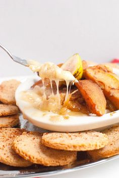 Baked Brie w/ Vanilla Cardamom Spiced Apples & Gluten Free Cinnamon Crackers-Slim Pickin's Kitchen