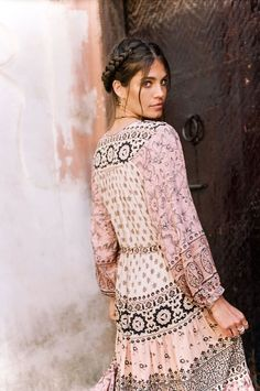 """Spell Designs' """"Lionheart"""" collection features hand embellished Arabian jewel pieces, lionheart print, luxe details like drop waists & vertical stripes. Bohemian Stores, Spell Designs, Look Boho, Boho Life, Comfy Dresses, Maxi Dresses, Indie Fashion, Bohemian Fashion, Young Fashion"""