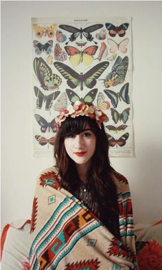 Bonnie, of Flashes of Style, looks amazing in this floral hair wreath! #70s #pattern