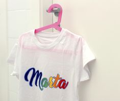 We already have Marta's unique and personalized shirt to wear this summer. - Home Decor -DIY - IKEA- Before After Fabric Painting, Holidays And Events, Custom Shirts, Crop Tops, Unique, Html, Summer, Ikea, How To Wear
