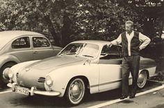 Das ist der Hans aus Berlin und sein Volkswagen Karmann-Ghia. Das war 1962. Jaja. Die Karmänner aus Berlin. Fesch und zweifarbig. Kennzeichenkuriosum: Konnte man damals tatsächlich diese Buchstabenkombination bekommen?? Flohmarktfund