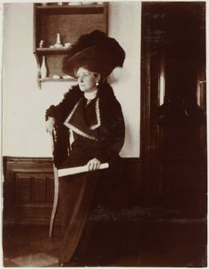 Empress Alexandra Feodorovna of Russia. Tsar Nicolas Ii, Tsar Nicholas, Anastasia, Familia Romanov, House Of Romanov, Alexandra Feodorovna, Imperial Russia, Beautiful Family, Queen Victoria