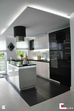 Browse photos of Small kitchen designs. Discover inspiration for your Small kitchen remodel or upgrade with ideas for organization, layout and decor. Kitchen Room Design, Modern Kitchen Design, Home Decor Kitchen, Kitchen Living, Interior Design Kitchen, Kitchen Ideas, Living Room, Kitchen Designs, Luxury Kitchens