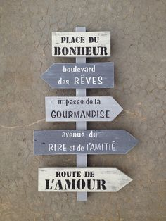 panneau de direction en bois de palette vintage design : Décorations murales par… Plus Creation Deco, Vintage Designs, Diy And Crafts, Sweet Home, Projects To Try, Art Deco, Boards, Inspiration, Home Decor