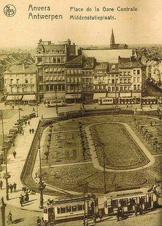 Prachtige foto van de vroegere Koningin Astridplein in Antwerpen. Foto gevonden op fotoreisverhaal.net
