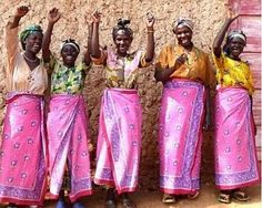 These artisan women are part of the WomenCraft Social Enterprise which works with women in the hills of Mafiga Matatu, the tri-border region between Rwanda, Tanzania, and Burundi. Amazing Women, Beautiful Women, Ode To Joy, Diy Baby Shower Decorations, We Are Together, People Of The World, Beautiful Smile, African Women, Women Empowerment