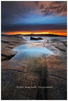 Sunrise at Binalong Bay, Tasmania_ Australia Modern Pictures, Pretty Pictures, Pretty Pics, Most Beautiful Images, Beautiful Places, Australian Photography, Sunset Images, Dawn And Dusk, Sky Sea