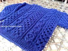 Пуловер для мальчика с плетеными узорами