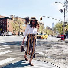 Pin for Later: 50 Work-Appropriate Outfits to Reach For When It's Hot AF A Breezy White Shirt, Flowy Striped Pants, and Brown Flats Fashion Mode, Look Fashion, Fashion Outfits, Womens Fashion, Fashion 2018, Fashion Days, Fasion, Fashion Trends, Culottes Outfit Summer
