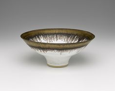 Contemporary ceramic art at CFile.