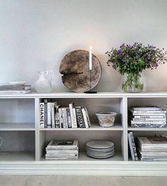 The Best 2019 Interior Design Trends - Interior Design Ideas Living Room Bedroom, Living Room Decor, Living Spaces, Sweet Home Alabama, Beautiful Interior Design, Home Comforts, Sofa, Couch, Interiores Design