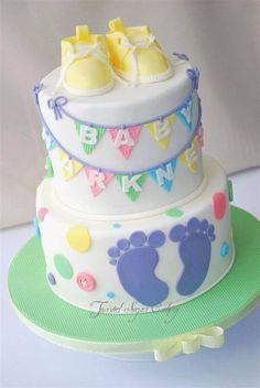 Esta tarta es toda un fiesta para recibir al bebe recién nacido