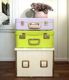 """Meri Weckman sanoo Instagramissa: """"Yöpöytä vanhoista matkalaukuista. Maalattu @tikkurila_suomi kalustemaaleilla. 🤍💚💜 #kotimaistakäsityötä #suomalaistakäsityötä #tuunaus…"""" Suitcase, Diy, Instagram, Bricolage, Do It Yourself, Briefcase, Homemade, Diys, Crafting"""
