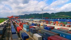 China - The World Bank says moving containers by rail in China could grow substantially if the country adopts North American operating practices and regulatory reform - photo: China United International Rail Containers Co Limited