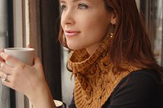 Ravelry: Cream and Sugar Cowl pattern by Alana Dakos Cable Cowl, Knit Cowl, Knitted Shawls, Knitting Designs, Knitting Patterns, Fall Patterns, Loop Scarf, Cream And Sugar, Knitting Accessories