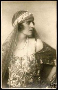 Portrait : Elisabeth de Roumanie, reine de Grèce (suite et fin)