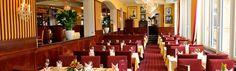 Ritz Atrium & Ritz Bar - besonderes Flair im Hotel Salzburger Hof Atrium, Restaurant Bar, Restaurants, Candles, Home, Ad Home, Restaurant, Candy, Homes