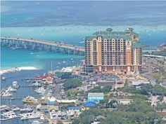 For Lease!  Emerald Grande #W1129, Destin, Florida. $3,000/month. 3 BR/ 3 BA, 1,566 SF, furnished. Beautiful views of the Bay, Crab Island and Destin Bridge make this one of the premier destinations in Destin.  Some of the best amenities in Destin!