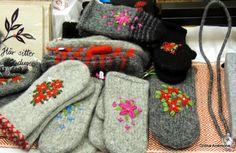 Mitten Gloves, Mittens, Wool Embroidery, Felting Tutorials, Nuno Felting, Fiber Art, Knit Crochet, Sewing, Knitting