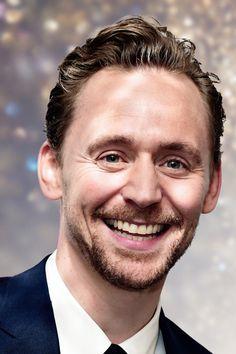 Tom Hiddleston. (Edit by jennphoenix.tumblr: http://jennphoenix.tumblr.com/post/154756640497/processed-with-photoshop-cc-photos-are-not )