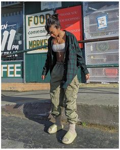 Cute Swag Outfits, Tomboy Outfits, Chill Outfits, Tomboy Fashion, Teen Fashion Outfits, Dope Outfits, Retro Outfits, Trendy Outfits, Vintage Outfits