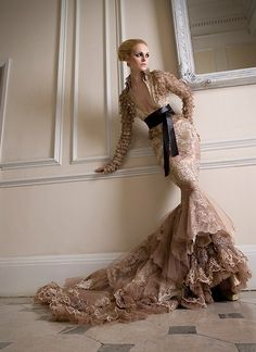 Haute couture by Luis Monteiro beautiful dresses from Shady Zeineldine Haute Couture Style Couture, Couture Fashion, Dress Fashion, Looks Style, Looks Cool, Beautiful Gowns, Beautiful Outfits, Fashion Weeks, Mode Style