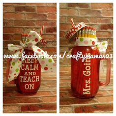Mason Jar glass filled with No.2 Pencils. Perfect for back to school teacher gift or teacher appreciation gift! Please send a message with teachers name or will be sent with quote only. *Ribbon/Fonts may vary*