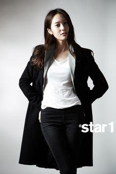 Krystal Jung and Sulli f(x) @Stacy Wilkins Magazine April 2013