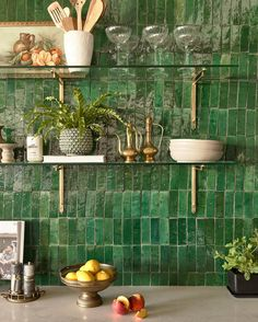 neutral countertops go perfectly with a bold and green backsplash. Boho Kitchen, Kitchen Tiles, Kitchen Colors, Kitchen Dining, Hippie Kitchen, Moroccan Kitchen, Tropical Kitchen, Quirky Kitchen, 70s Kitchen