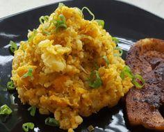 Een gezond koolhydraatarme stamppot met bloemkool, zoete aardappel en wortel. Een heerlijke zachte smaak in je mond met een zoetje door de wortel en bataat.