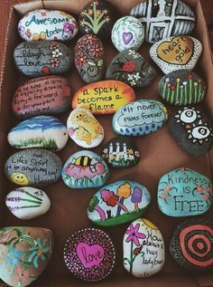 Drawing Ideas Nature Hippie 65 Super Ideas - Easy Crafts for All Rock Crafts, Cute Crafts, Crafts To Do, Crafts For Kids, Arts And Crafts, Jar Crafts, Rock Painting Ideas Easy, Rock Painting Designs, Paint Designs