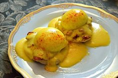 Cómo hacer salsa holandesa en 5 minutos Belize, Florence Food, Tyler Florence, Recipe For Hollandaise Sauce, Netherlands Food, Jamaica Food, Ireland Food, Erin Ireland, Austrian Recipes