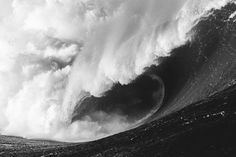 Mullaghmore roars to life in Ireland.