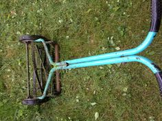 33 best old lawn mowers images on pinterest lawn edger lawn mower and riding lawn mowers. Black Bedroom Furniture Sets. Home Design Ideas