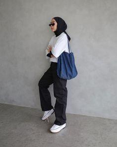 Modest Fashion Hijab, Modern Hijab Fashion, Street Hijab Fashion, Casual Hijab Outfit, Hijab Fashion Inspiration, Modest Outfits, Look Fashion, Fashion Outfits, Stylish Hijab